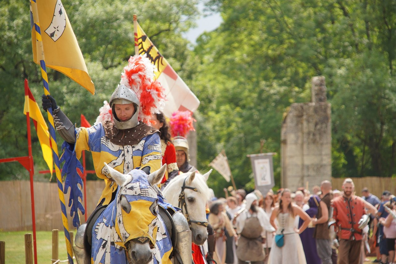 Calendrier des principales fêtes médiévales en France - Flagsonline.fr